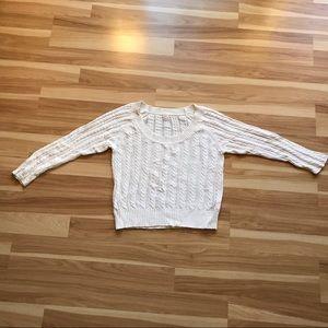 Old Navy white sweater machine wash & dry